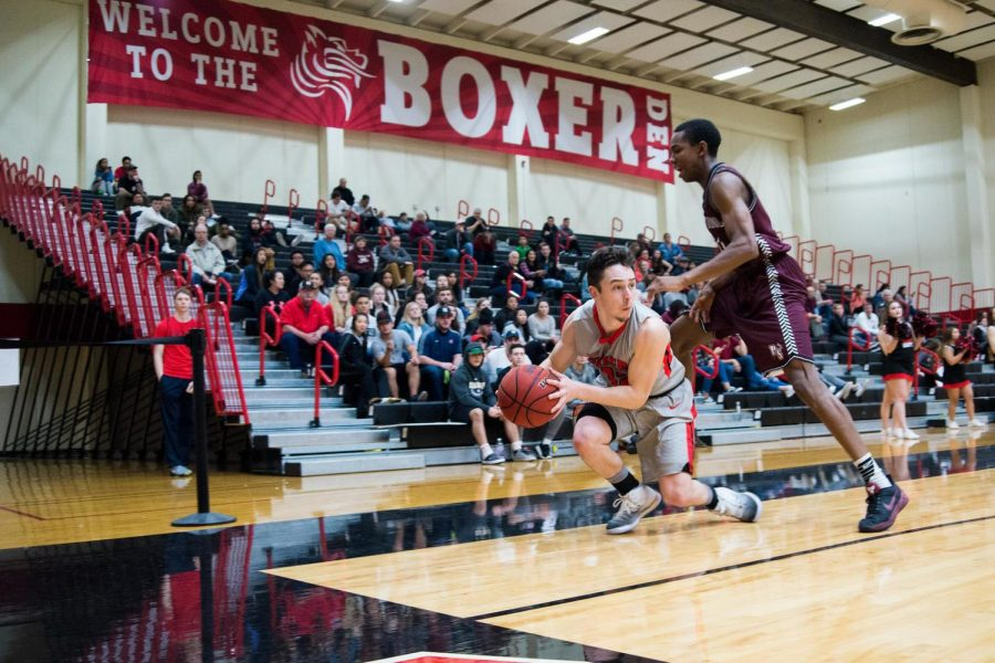 Sophomore+Davis+Holly+has+improved+his+stats+on+the+court%2C+and+also+as+a+leader+for+the+men%E2%80%99+s+basketball+team.