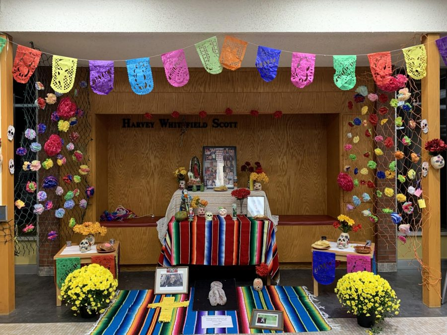 The+bright%2C+celebratory+Dia+de+los+Muertos+altar+can+be+seen+in+the+entrance+of+Scott+Hall+from+now+until+Monday%2C+Nov.+11.