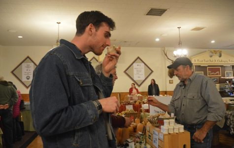 Community market offers winter vegetables, holiday food & music every Sunday through late December