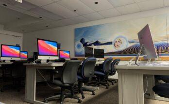 Computer lab in basement of Marsh Hall (Ashley Meza)